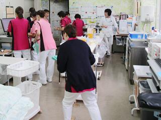 長津田厚生総合病院 看護部ナースステーション(1階外来)